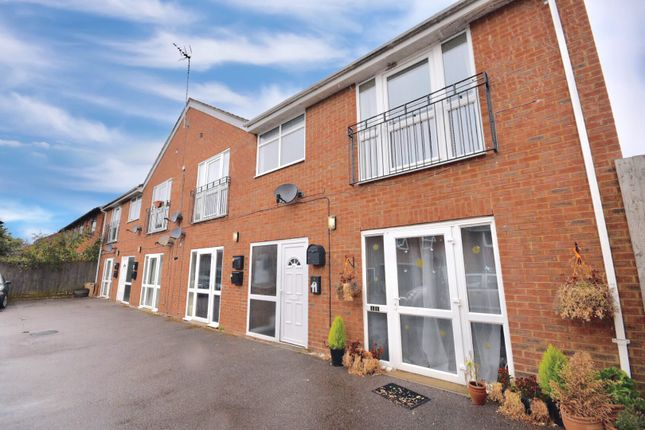 Thumbnail Flat for sale in Mill Road, Kettering