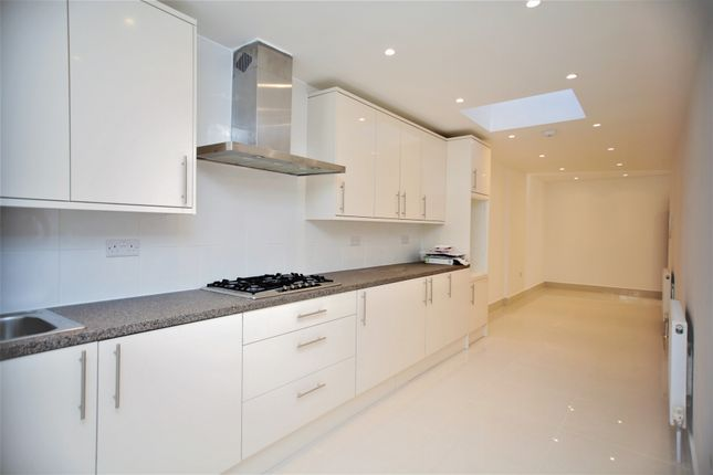 Thumbnail Property to rent in Hodford Road, Golders Green, London