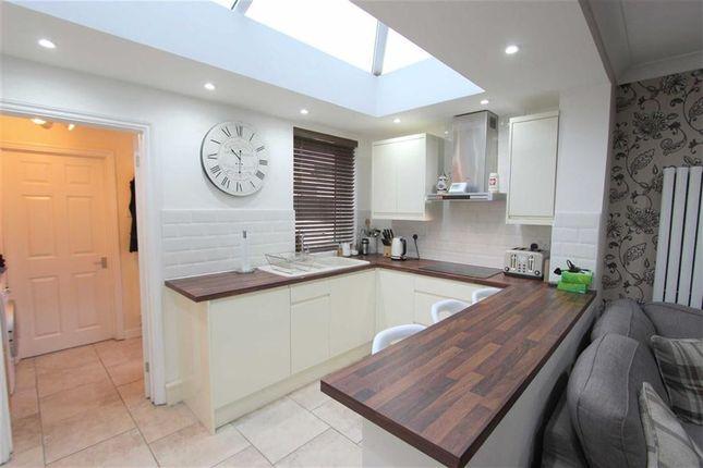 3 bed terraced house to rent in Osborne Street, Swindon