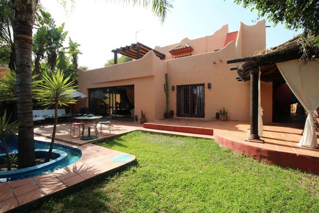 3 bed detached house for sale in Nagüeles, Andalucia, Spain