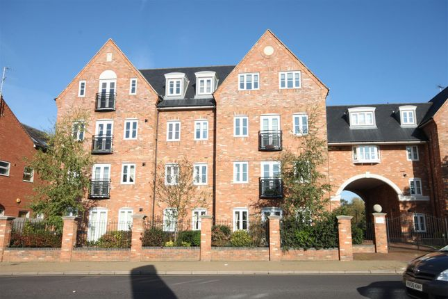 Thumbnail Flat for sale in Leighton Road, Leighton Buzzard