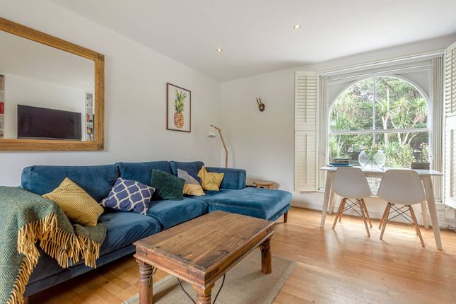 2 bed flat for sale in Shepperton Road, East Canonbury, London N1