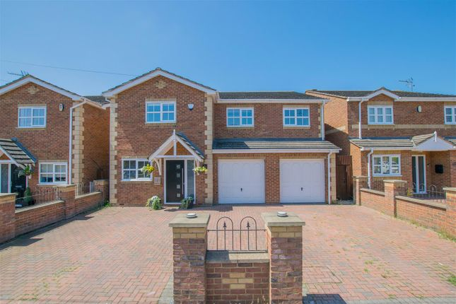 Thumbnail Detached house for sale in Derby Road, Hoddesdon