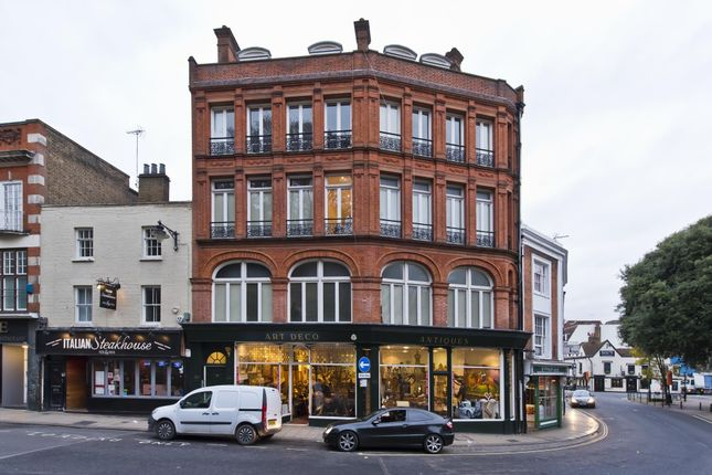 Thumbnail Flat to rent in Thames Street, Eton, Windsor, Berkshire