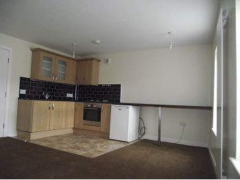 Thumbnail Flat to rent in 12A High Street, Neston, Cheshire