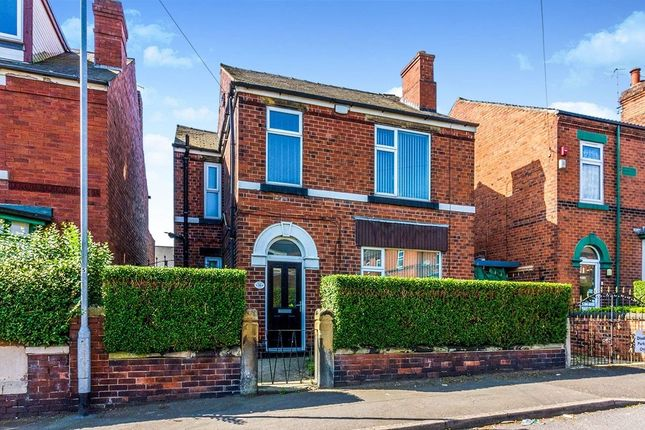 Thumbnail Detached house to rent in Deepdale Road, Rotherham