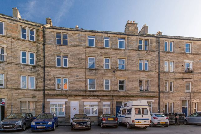 Thumbnail Flat for sale in 13 1F2 Milton Street, Abbeyhill, Edinburgh