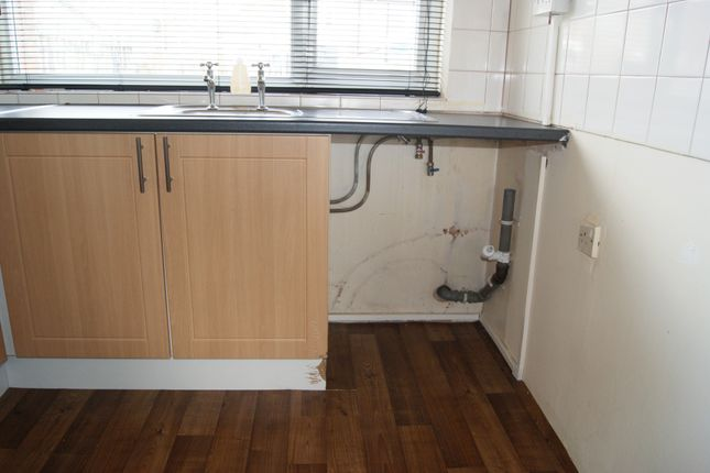 3 bed semi-detached house to rent in South Street, Highfields, Doncaster