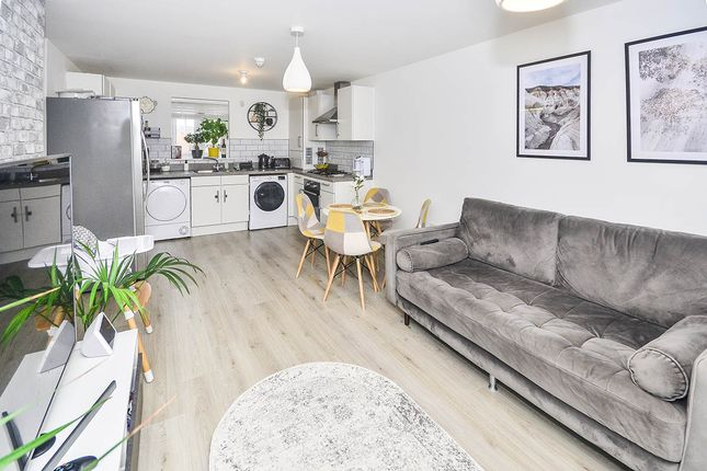 2 bed flat for sale in Corminster Avenue, Aylesham, Canterbury, Kent CT3