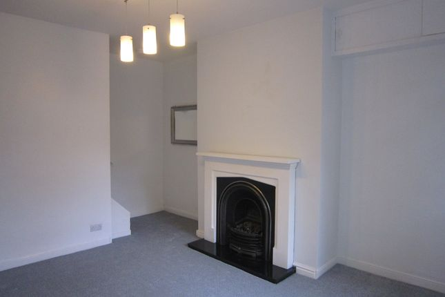 Thumbnail Terraced house to rent in Back Clarence Road, Horsforth, Leeds