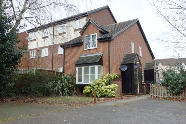 Thumbnail Semi-detached house to rent in Littlebrook Avenue, Burnham, Slough, Berkshire