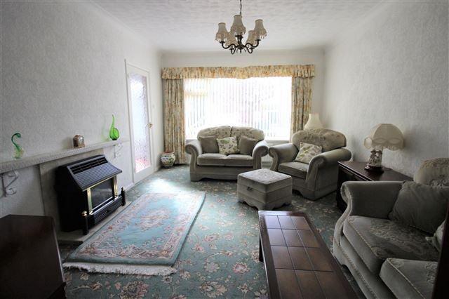Lounge of Roehampton Rise, Brinsworth, Rotherham S60