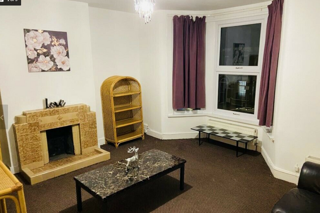 Thumbnail Flat to rent in Sunningdale Avenue, Barking