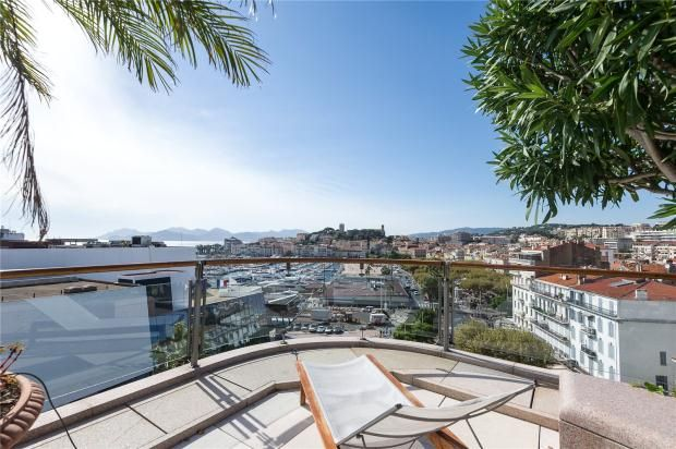 Thumbnail Apartment for sale in Cannes, French Riviera, 06400