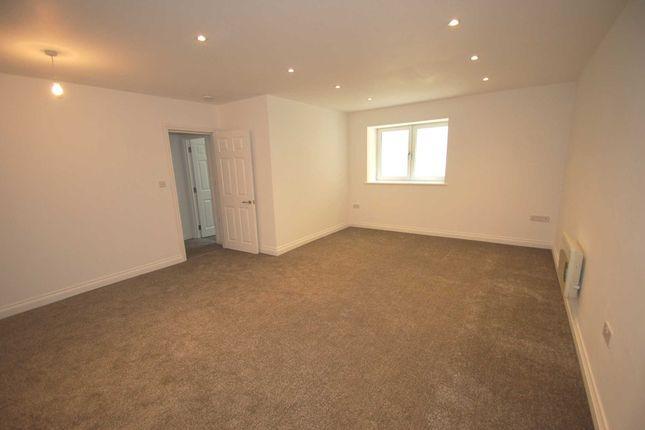 Thumbnail Flat to rent in Braddons Cliffe, Braddons Hill Road East, Torquay
