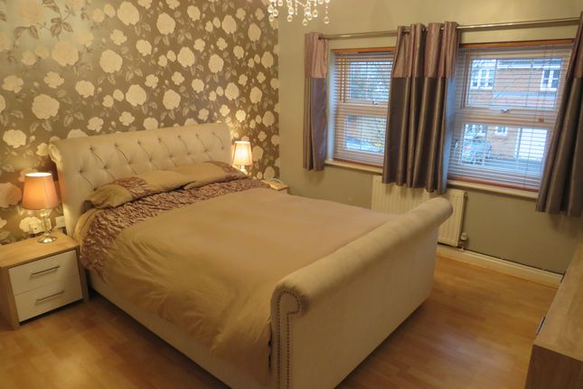 Bedroom 1 of Willowmead Close, Scunthorpe DN15