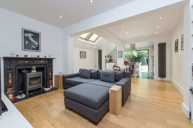 Thumbnail Terraced house for sale in Amity Grove, London