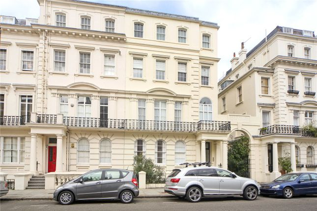 Thumbnail Flat to rent in Kensington Park Gardens, London