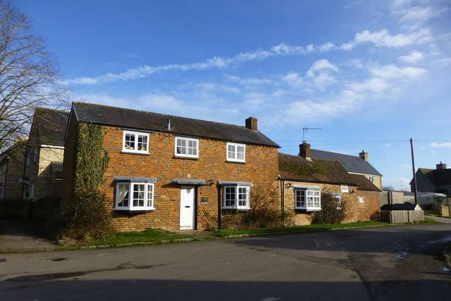 Thumbnail Cottage for sale in Clements Lane, Marsh Gibbon, Bicester