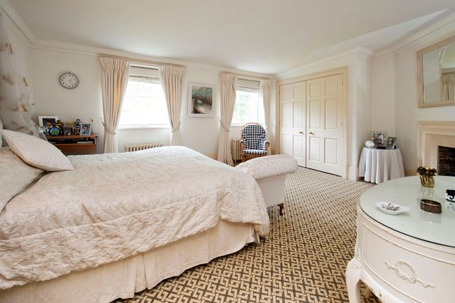carpet for bedrooms 3 bed town house for sale in kensington square london w8 10996   d12549da093056f110b066540c7c67952e7d3b0e