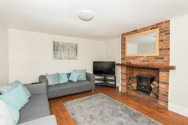 Thumbnail Semi-detached house for sale in Carding Cottages, Barnby Moor, Retford