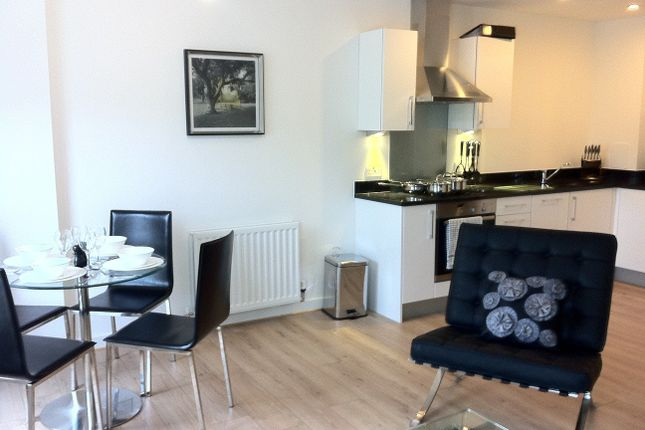 Flat to rent in Compton House, Holloway