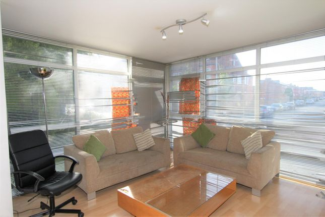 Living Area of Moss Lane East, Manchester M14