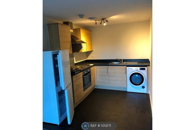 2 bed flat to rent in Llys Nantgarw, Wrexham LL13