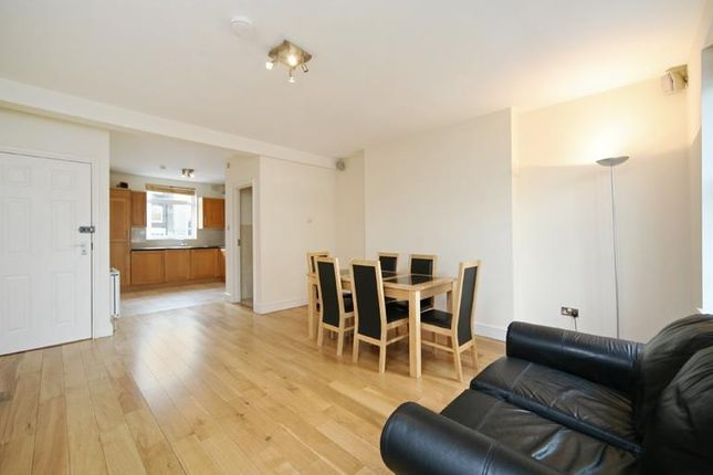 2 bed maisonette to rent in Westbourne Park Road, Notting Hill