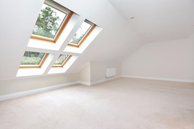 Picture 13 of Finchampstead, Wokingham RG40