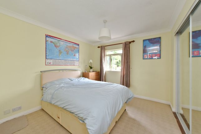 Thumbnail Flat to rent in Bourneside Crescent, Southgate