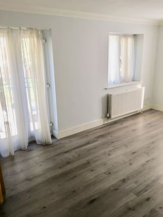 Thumbnail Flat to rent in Albert Road, North Woolwich