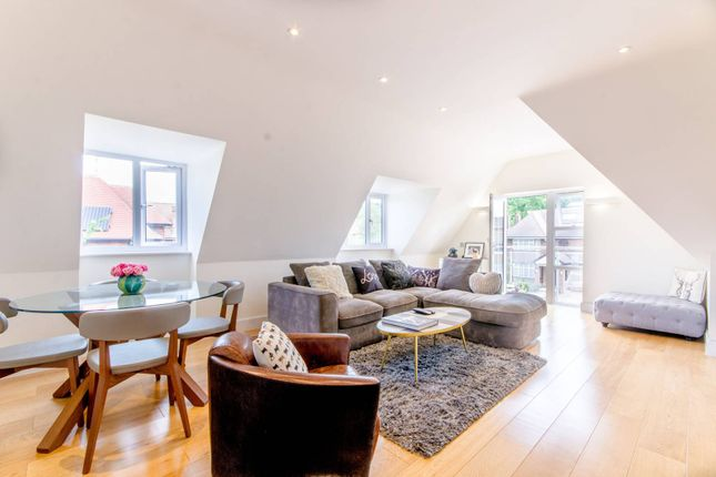 Thumbnail Flat for sale in Amberden Avenue, Finchley Central