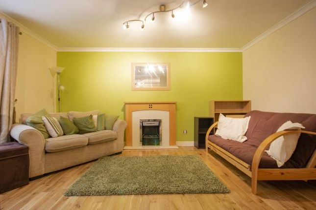 Thumbnail Flat to rent in Old Tolbooth Wynd, Edinburgh