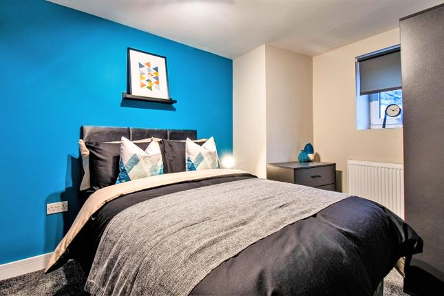 Thumbnail Room to rent in East Park Parade, Leeds