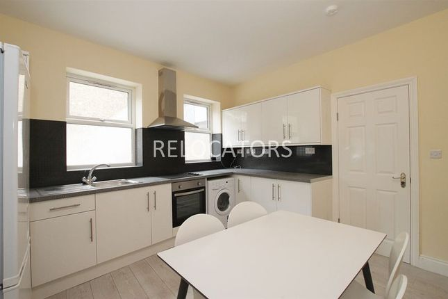 Thumbnail Semi-detached house to rent in Mile End Place, London