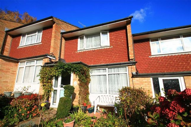 2 bed terraced house for sale in Leeds Close, Hastings, East Sussex