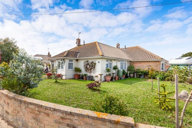 Thumbnail Bungalow for sale in Innings Drive, Pevensey, East Sussex