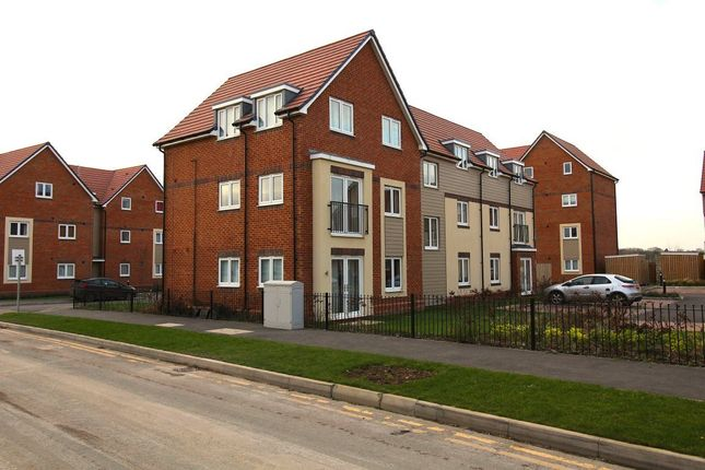 Thumbnail Flat to rent in Tainter Close, Rugby