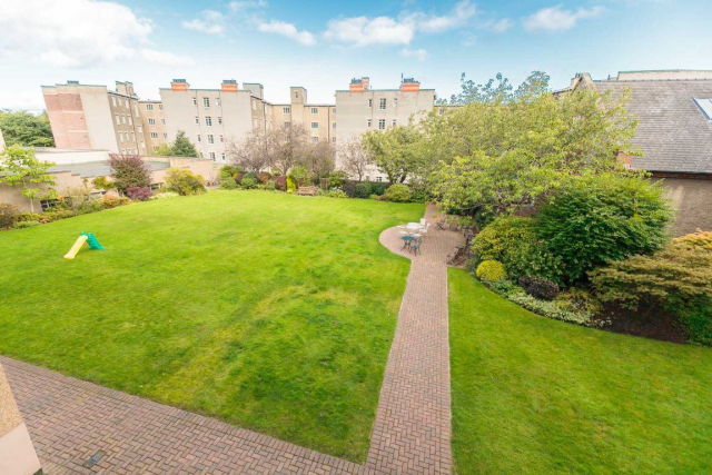 Learmonth terrace edinburgh 1nz eh4 5 bedroom flat to for 2 learmonth terrace edinburgh