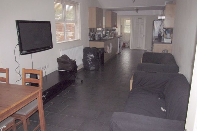 Thumbnail Terraced house to rent in College Road, Reading