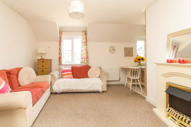 Thumbnail Flat for sale in Buzzard Road, Whitchurch, Tavistock
