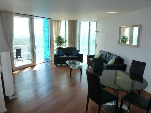 Thumbnail Flat to rent in Beetham Tower, 10 Holloway Circus, Queensway, Birmingham