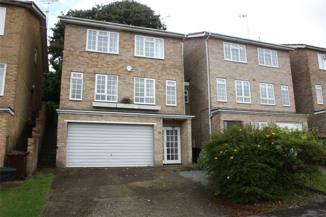 Thumbnail Detached house to rent in Haywards Close, Henley-On-Thames, Oxfordshire