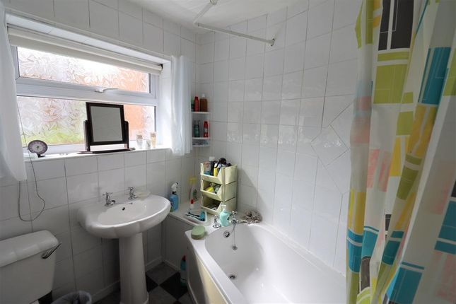 Bathroom of Temperance Avenue, Shildon DL4