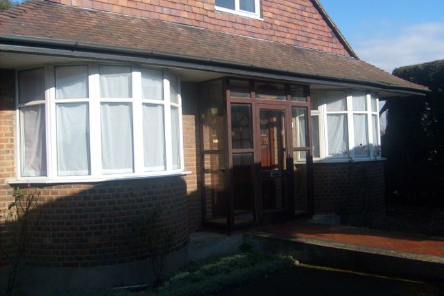 Thumbnail Bungalow to rent in Staines Road, Bedfont