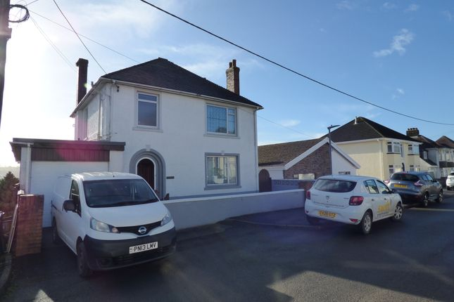 4 bed detached house to rent in Parc Thomas, Carmarthen, Carmarthenshire SA31