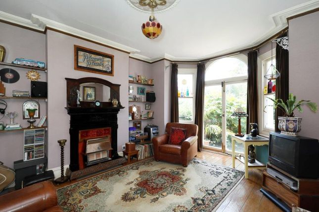 Thumbnail Flat for sale in Bushnell Road, London