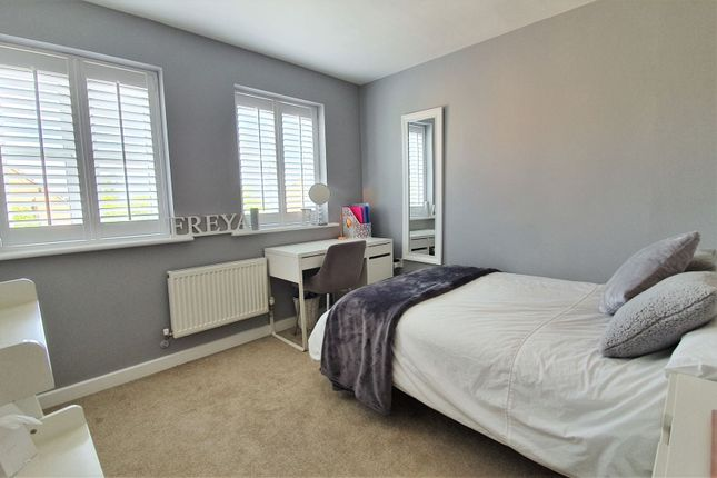 Bedroom of Barons Close, Leicester LE9