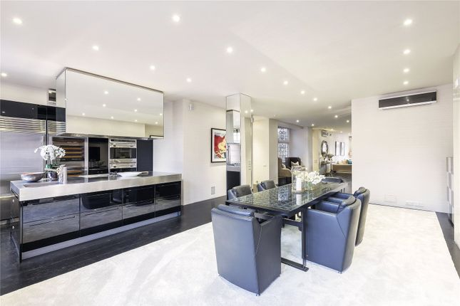 Flat to rent in Parkside, Knightsbridge, London